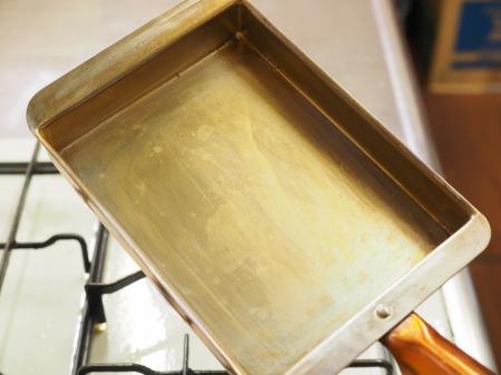 銅製フライパンで出汁巻き12