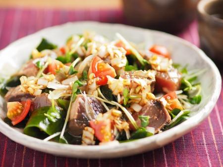 かつおたたきの海鮮サラダ、中16