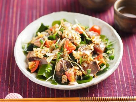 かつおたたきの海鮮サラダ、中14