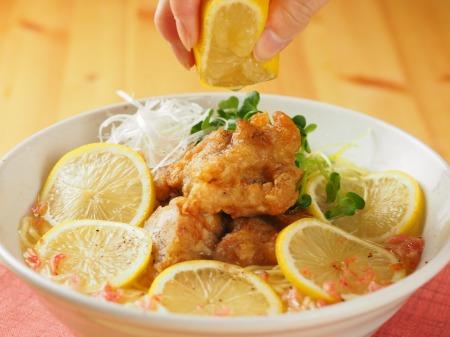 レモンでスッキリ、鶏唐ラーメン16
