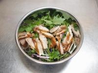 水菜とチキンステーキのサラダ31