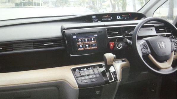 ホンダ 新型ステップワゴン カタログ3