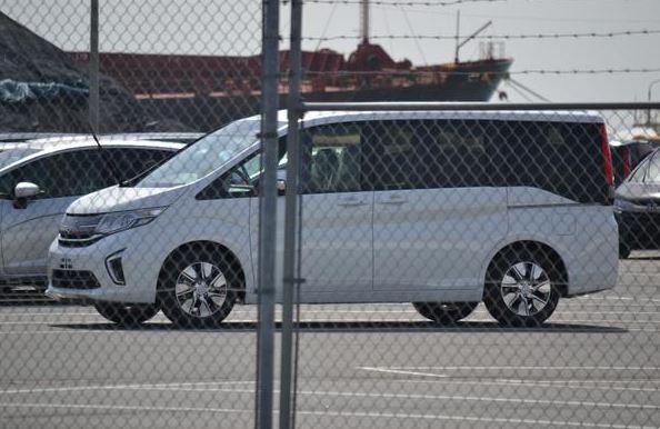 3新型ステップワゴン 標準モデル