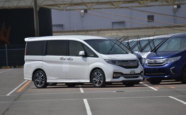 2新型ステップワゴン 標準モデル
