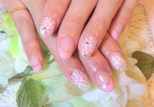 ピンクフレンチネイル 白花ペイント