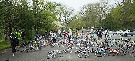 第2エイド自転車置き場