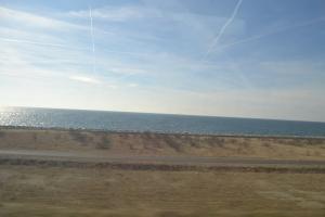 すぐそこ海です。もうすぐ越境