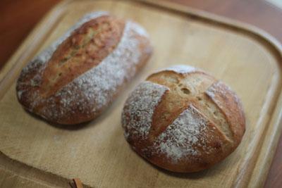 レーズン酵母そば粉パン