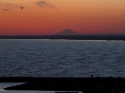 刑部岬の夕景 富士山