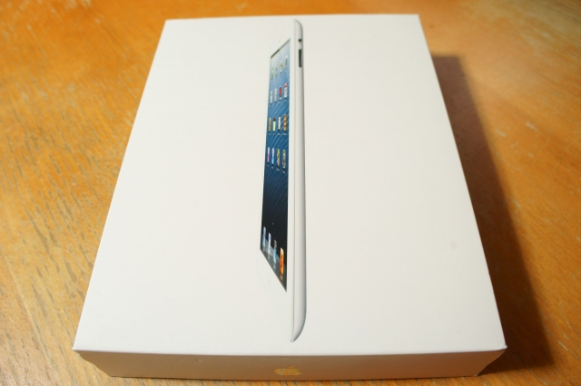 apple_ipad4th_unbox_01.jpg