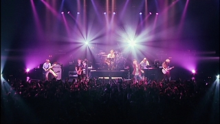 dvd_uverworld_awakeve_15.jpg