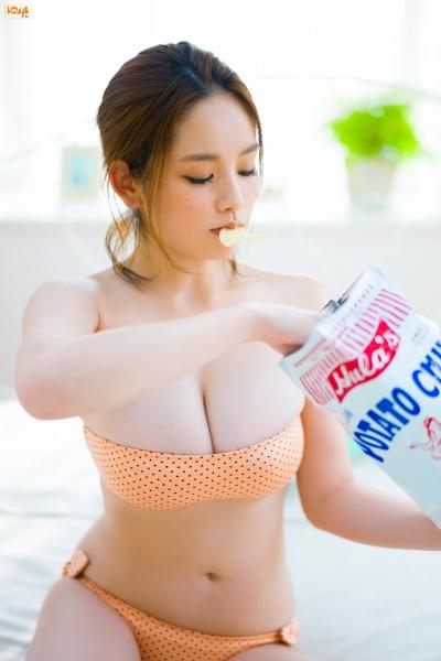 【エンタメ画像】【画像】筧美和子の「成熟しすぎた胸」で抜きたいヤツはちょっと来い!