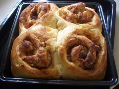 パン作り(シナモンロール)