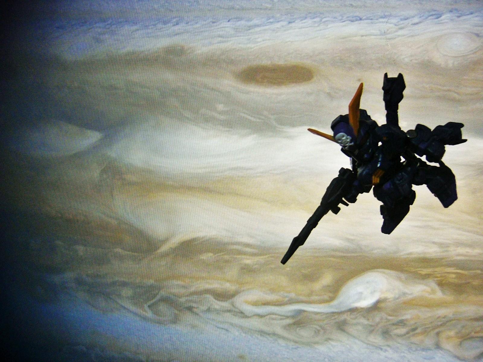 ガンダム ジオラマ PC画面を背景に リアル ビームサーベル ディスティニー ガシャポン戦士DASH NEXT