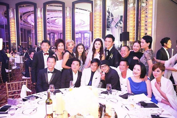 鍾鎮濤の結婚のお祝いパーティ