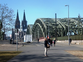 ケルン大聖堂とホーエンツォレルン橋
