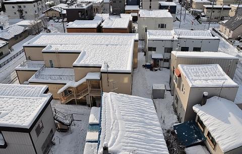 今朝の屋根雪