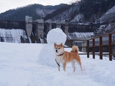 大きな雪だるまさんと