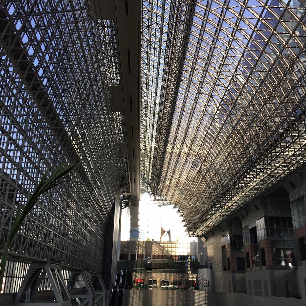 京都駅天井