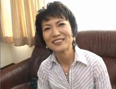 50歳になる熟女のリカコさんが結婚25年目にして初めての浮気でAV出演してエッチしちゃうセックス動画