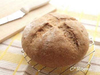 ホシノ天酵-ライ麦パン01