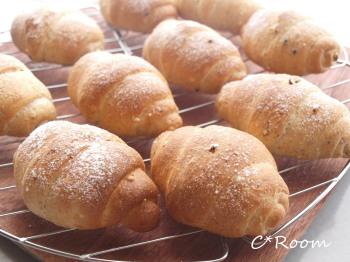 雑穀ふすまロールパン1