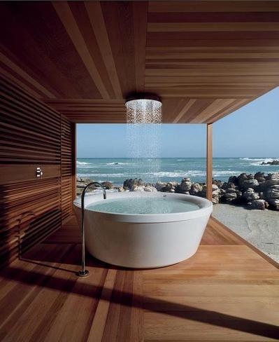 海の見えるバスルームのオーバーヘッドシャワー-thumb-400x488-2727