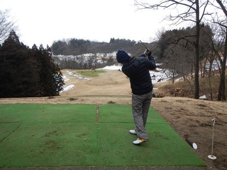 本日はゴルフへ