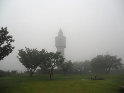 酷いお天気&酷い霧。