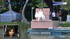小嶋陽菜ポロリ&食い込み画像2