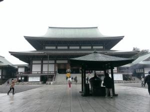 新勝寺本堂