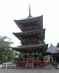 新勝寺三重塔
