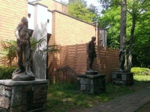 園内の彫刻