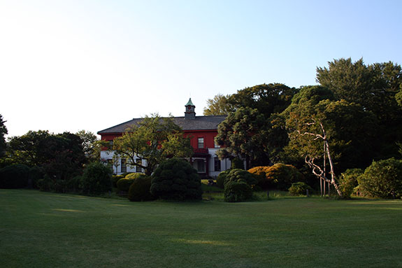 東京大学大学院理学系研究科付属植物園 旧東京医学校本館