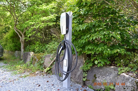 テスラモーターズの充電設備