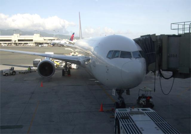 ハワイの空港はトイレもアロハ