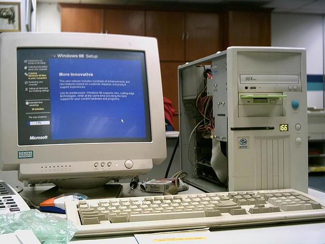 Windowsの「XP」「Vista」「7」「8」の名前の由来とは