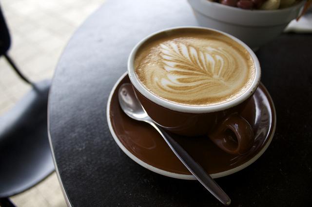 コーヒーや緑茶を飲むと長生きに効果