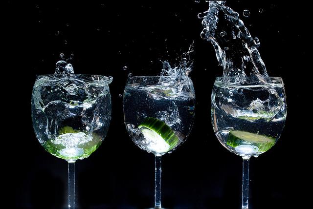 人間が一生で飲む水の量って何リットル?