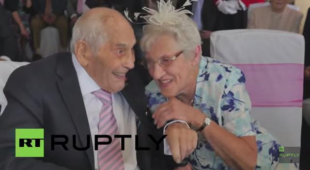 世界最高齢夫婦が誕生!2人の年齢を合計すると何歳?