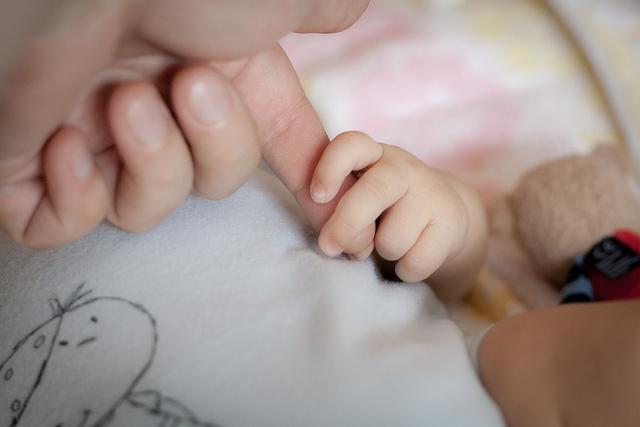 人差し指と薬指、長いのはどっち?指の長さで男っぽいかどうかが分かる!