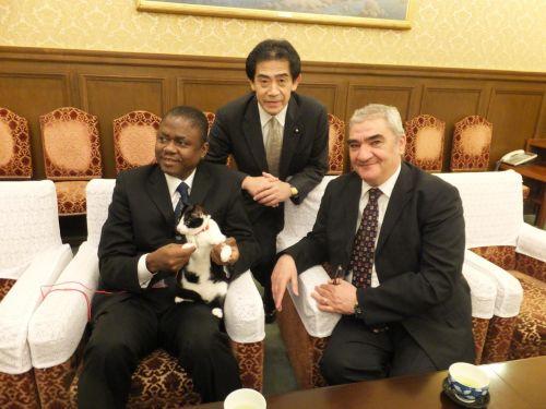 500大使たちと逢沢先生とジャンヌ €S0347295_convert_20140319000754 - コピー