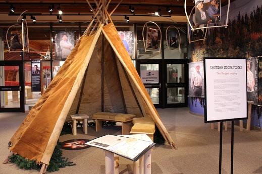 2015カナダ:0210イエローナイフ 博物館 ティーピー