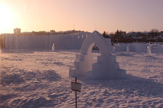 2015カナダ:0210イエローナイフ スノーキング