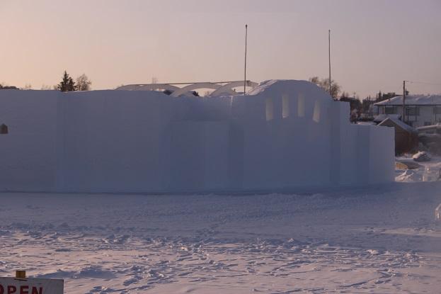 2015カナダ:0210イエローナイフ スノーキング2