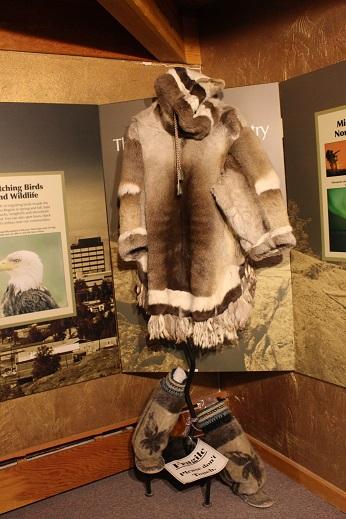 2015カナダ旅行:0212イエローナイフ 観光所 服