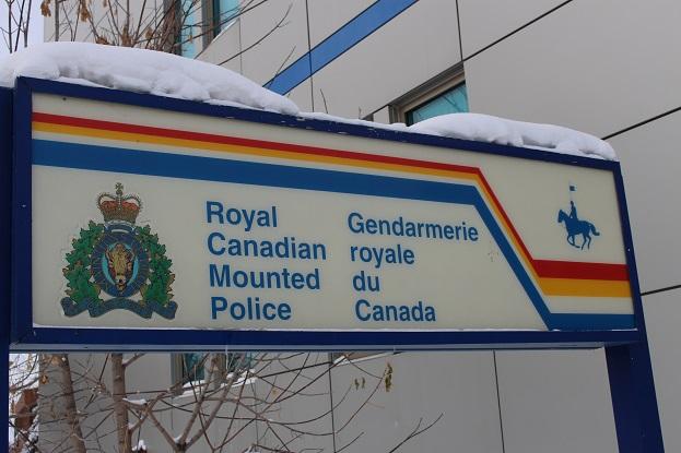 2015カナダ旅行:0212イエローナイフ 警察署