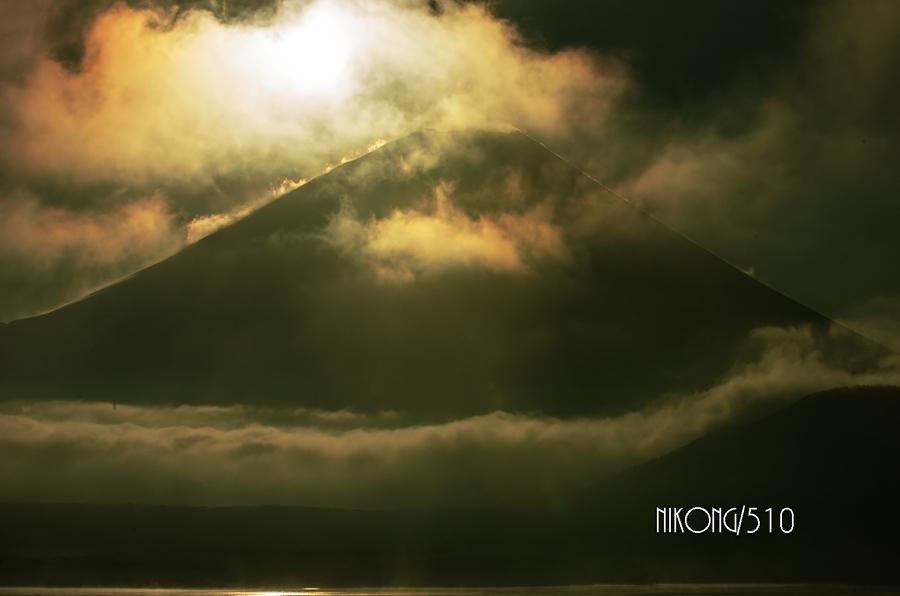 2014 12 30 本栖湖 日の出富士 77s_filtered