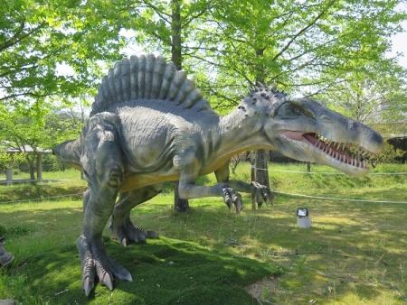 フルーツパーク スピノサウルス