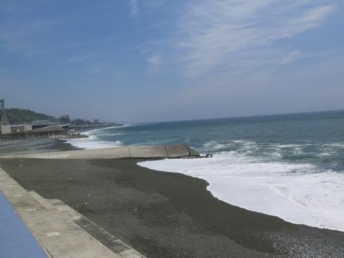 西湘PA前の海